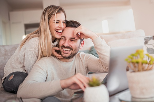 Webinar: From Room Mates to Soul Mates: Enhancing Couples Relationships